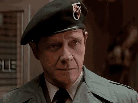 """サミュエル・""""サム""""・トラウトマン大佐は、どの作品に出てる?"""