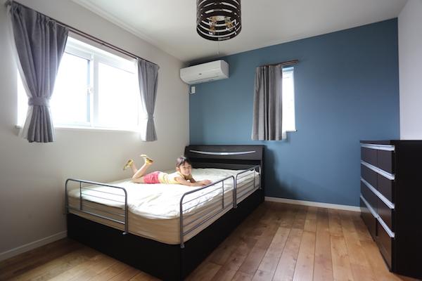 寝室:ベッドルーム