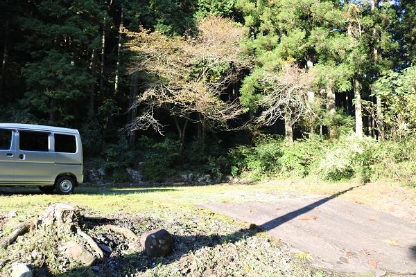 白山神社の駐車場