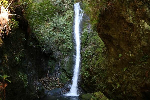 轡野の白い稲妻乙女滝