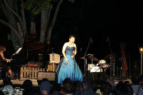 ソプラノ歌手渡辺美季さん