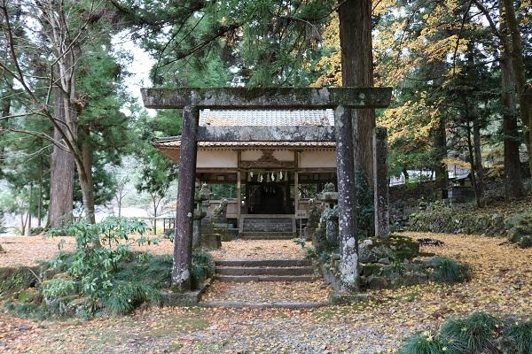 関市中之保の白髭神社