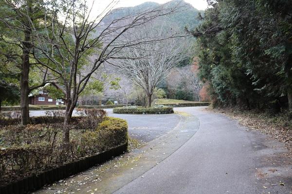 元号橋から約1.7km先の平成自然公園