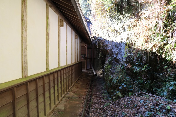 高澤観音本堂への裏道