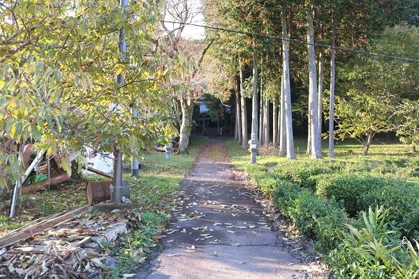 一柳城址への道