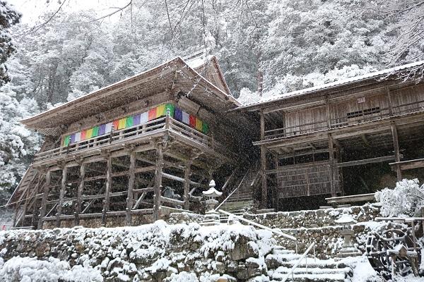 雪の高澤観音本堂