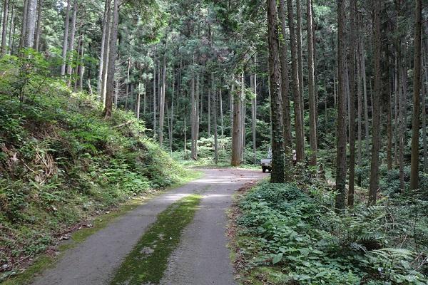 関市権現山登山口付近のスペース