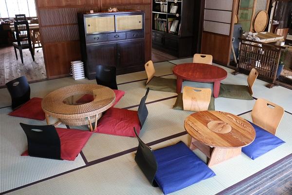 そばのカフェおくど和室スペース