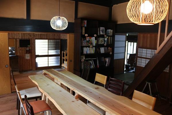 そばのカフェおくど洋室スペース