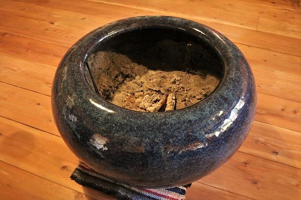 おくど自慢の火鉢