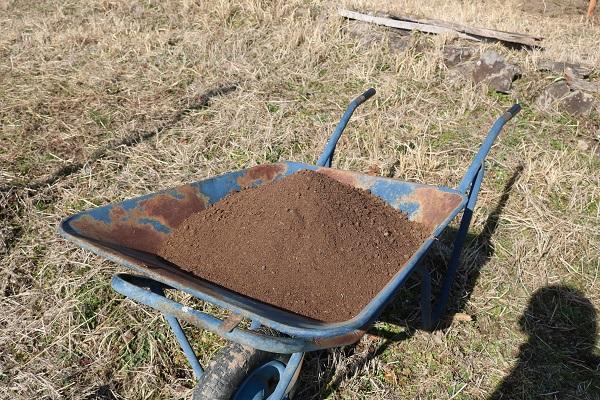 関むぎパッションフルーツ組合が取り入れる有機肥料