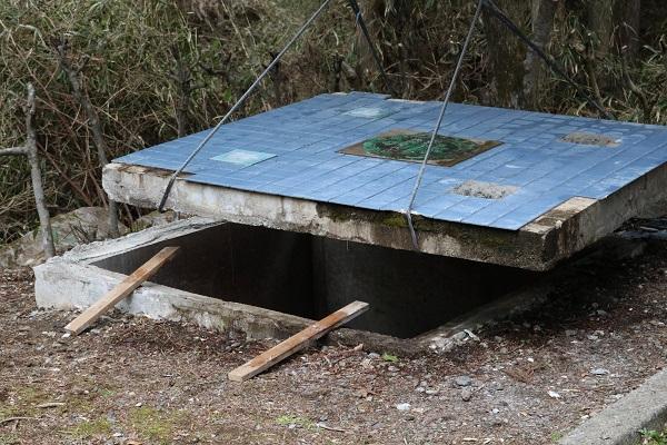 タイムカプセル保管場所の上蓋