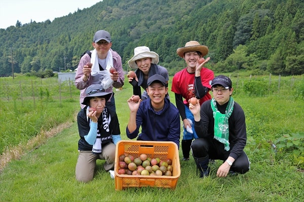 果実収穫体験参加者集合写真