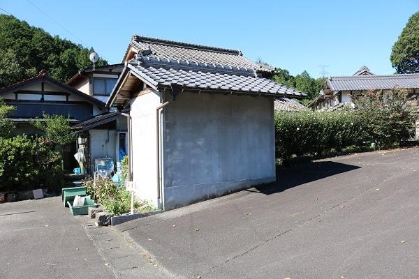本城山登山の際はこちらのトイレが利用可能