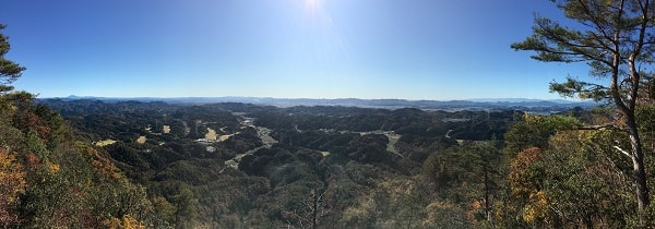 本城山頂上からの展望をパノラマ撮影