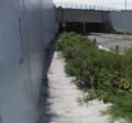 羽田空港トンネル前の荒れた歩道
