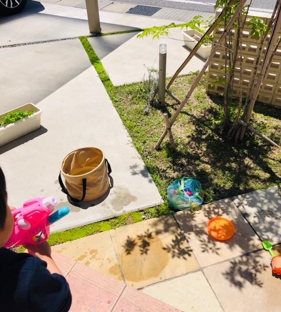 水遊び 庭 夏