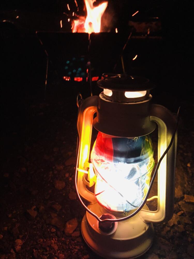 ランタン 焚き火 キャンプ