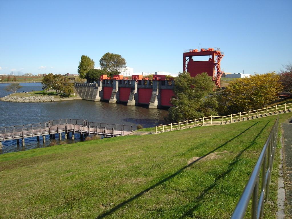 荒川サイクリングロード 岩淵水門赤門