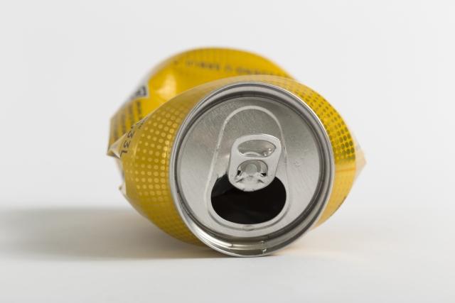 缶の潰し方
