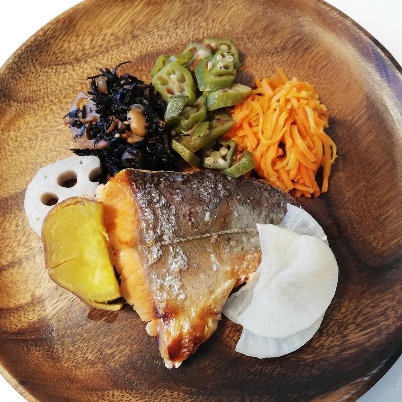 ナッシュ鮭味噌漬けセット盛り付け