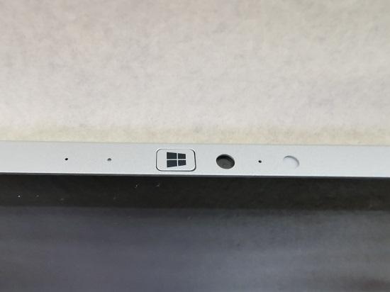 レッツノート RZ4 モニターの上部に、カメラとマイク