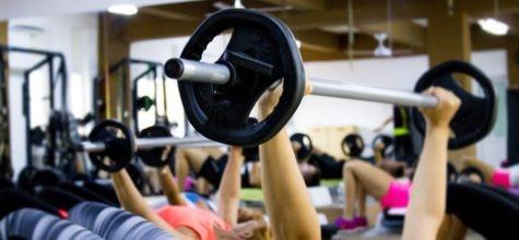 ベンチプレス-高い負荷の運動で筋肉を鍛える