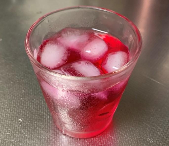 炭酸割りの赤シソジュース