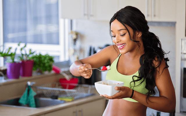 健康的な食事法の女性