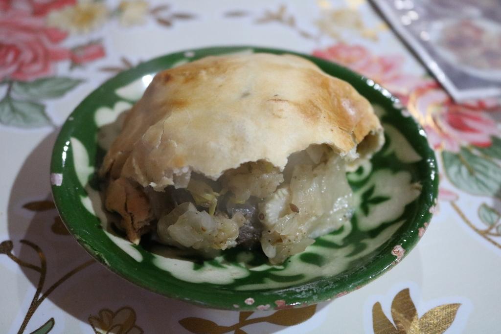 ウズベキスタン 料理 サムサ