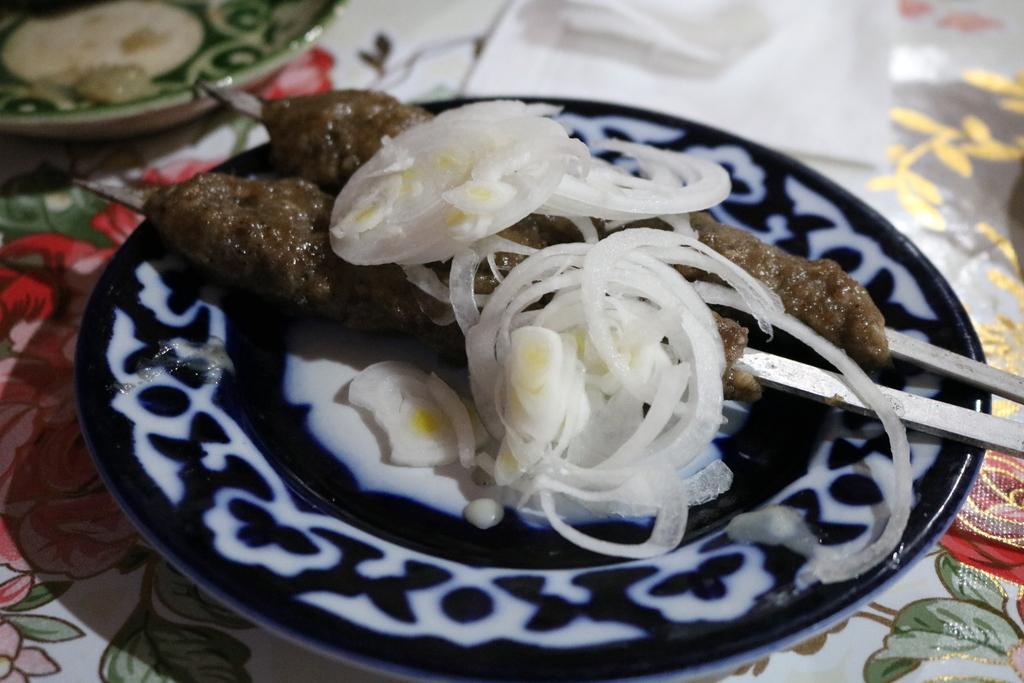 ウズベキスタン 料理 シャシリク