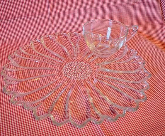 Colomy Glass  Daisy Snack set My Favorite