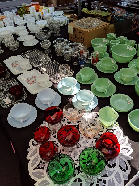大江戸骨董市に出店しています。ファイヤーキング、デプレショングラスならMy Favorite