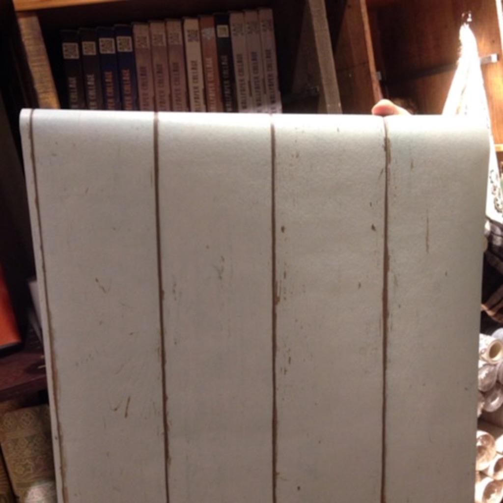 水色の木目壁紙(壁紙をDIY)