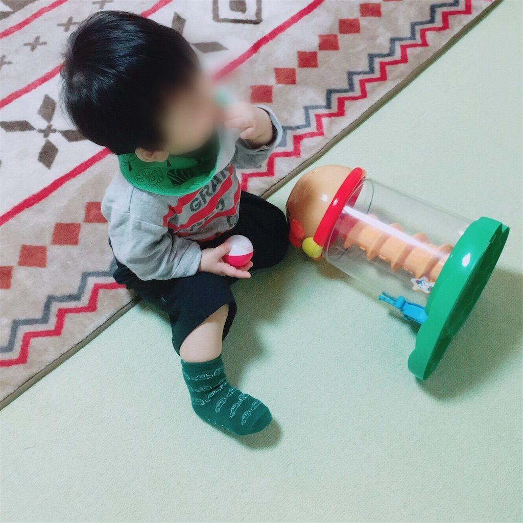 1歳児にオススメのおもちゃアンパンマン にぎって! おとして! くるコロタワー