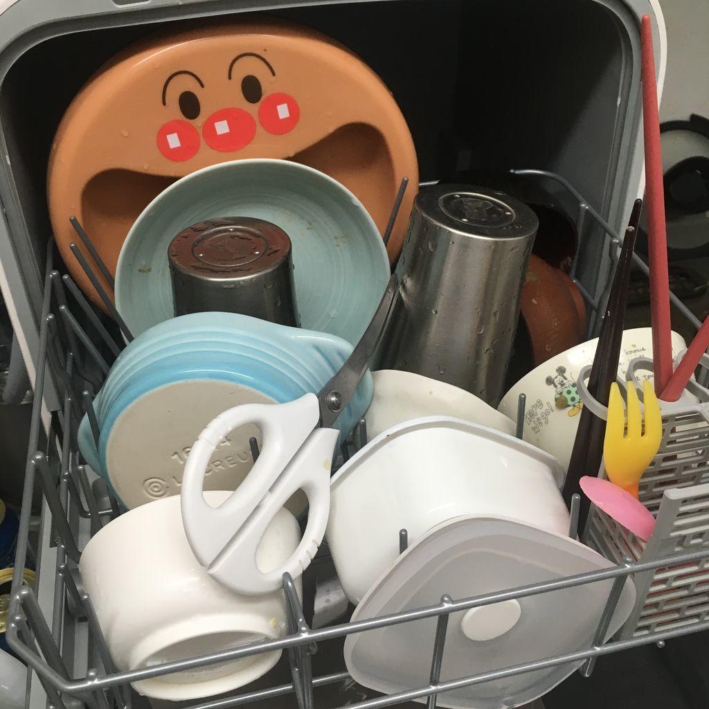 工事のいらない食器洗浄乾燥機「SDW-J5L-W 」に入れられる食器