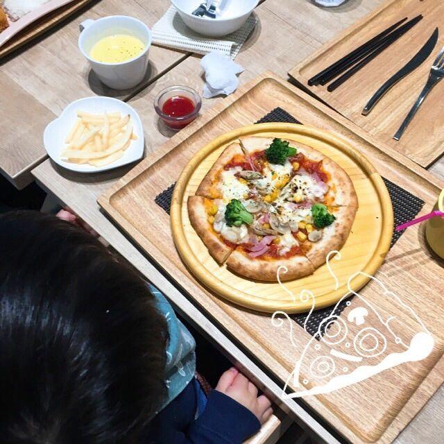 ハグハグカフェのピザ