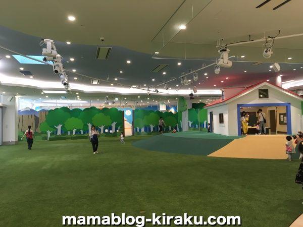 横浜アンパンマンこどもミュージアムの広場