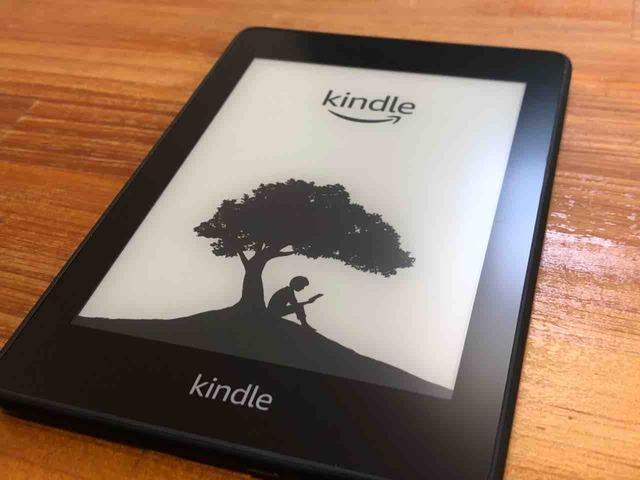 防水機能がついた新しい「KindlePaperwhite(第10世代)」【レビュー】ファーストインプレッションと旧世代機との違いについて