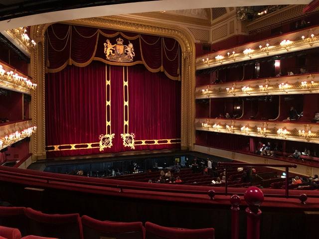 オペラの舞台