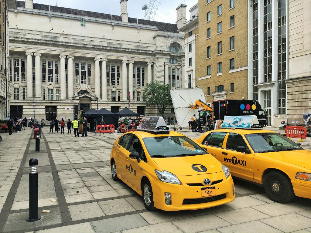 ロンドン市内で映画の撮影中