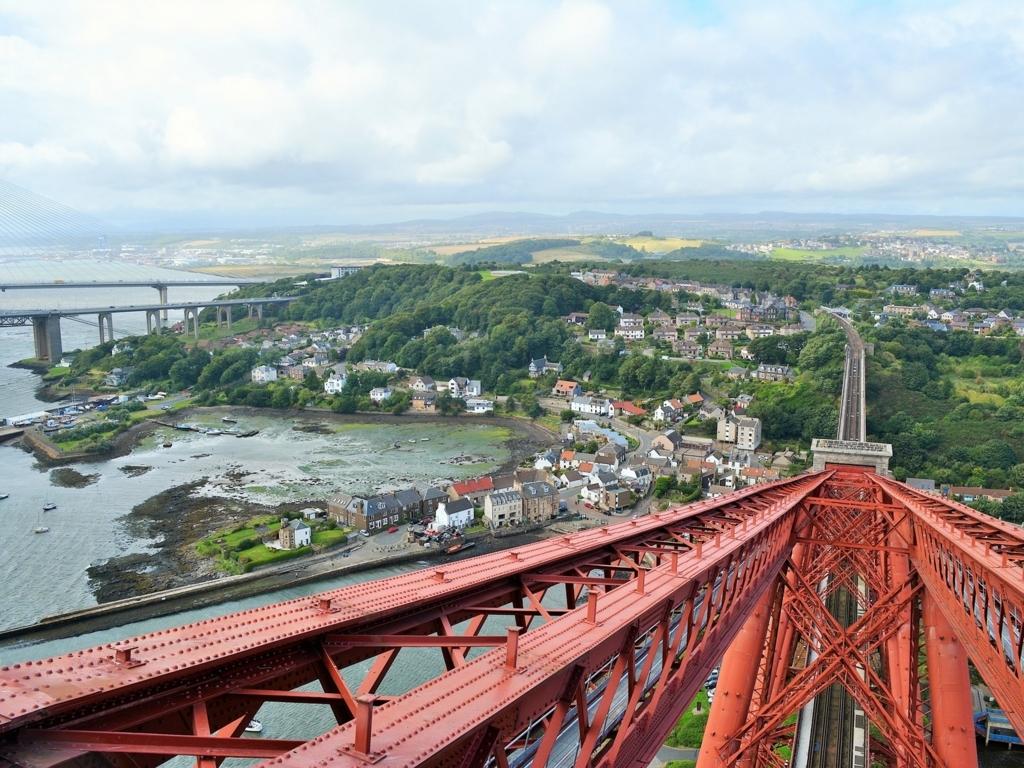 スコットランドのブリッジ三姉妹