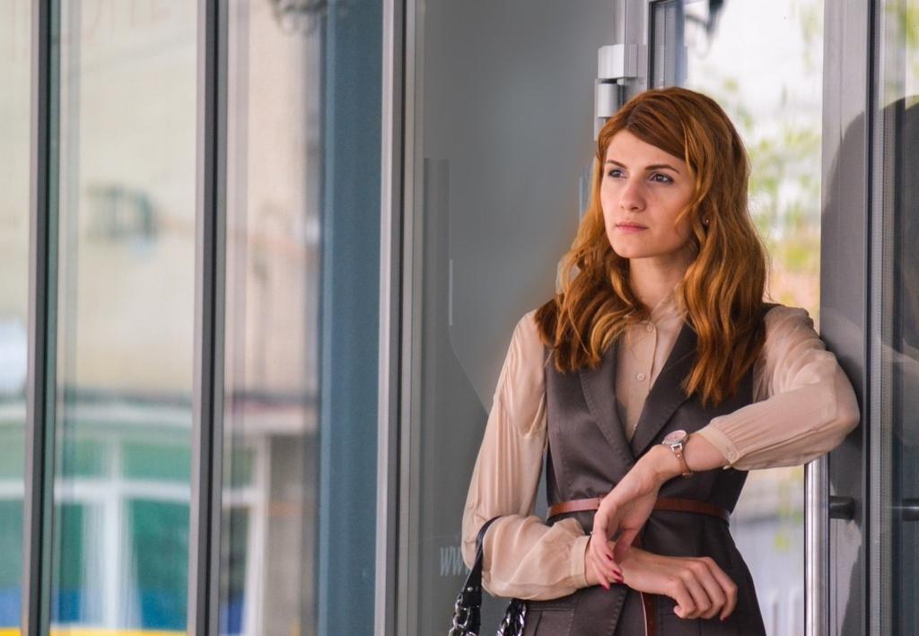文化の違いに疲れるフランス人女性