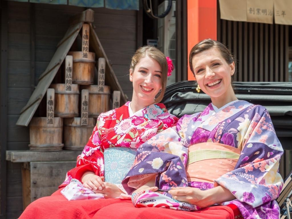 外国人からの日本についての質問に答える
