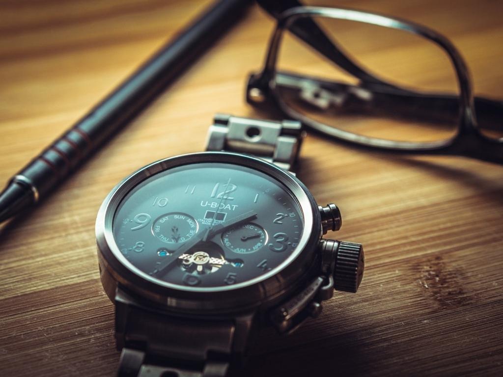 腕時計もシャープペンも持ち込めない