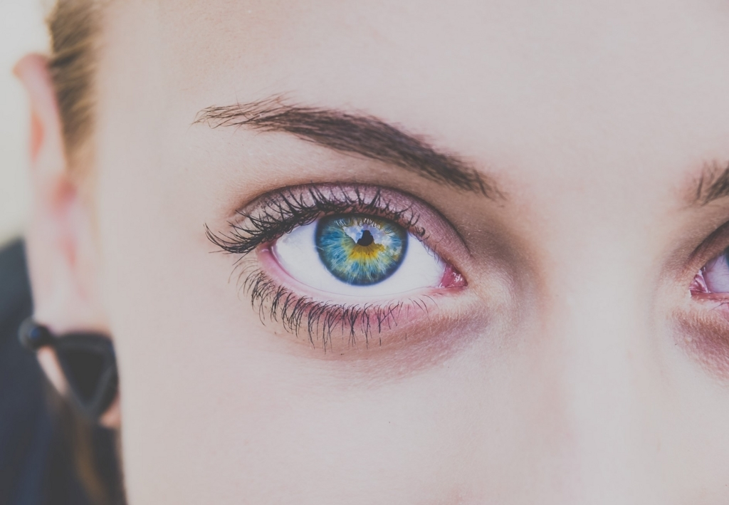 目の美しさをほめる英語表現