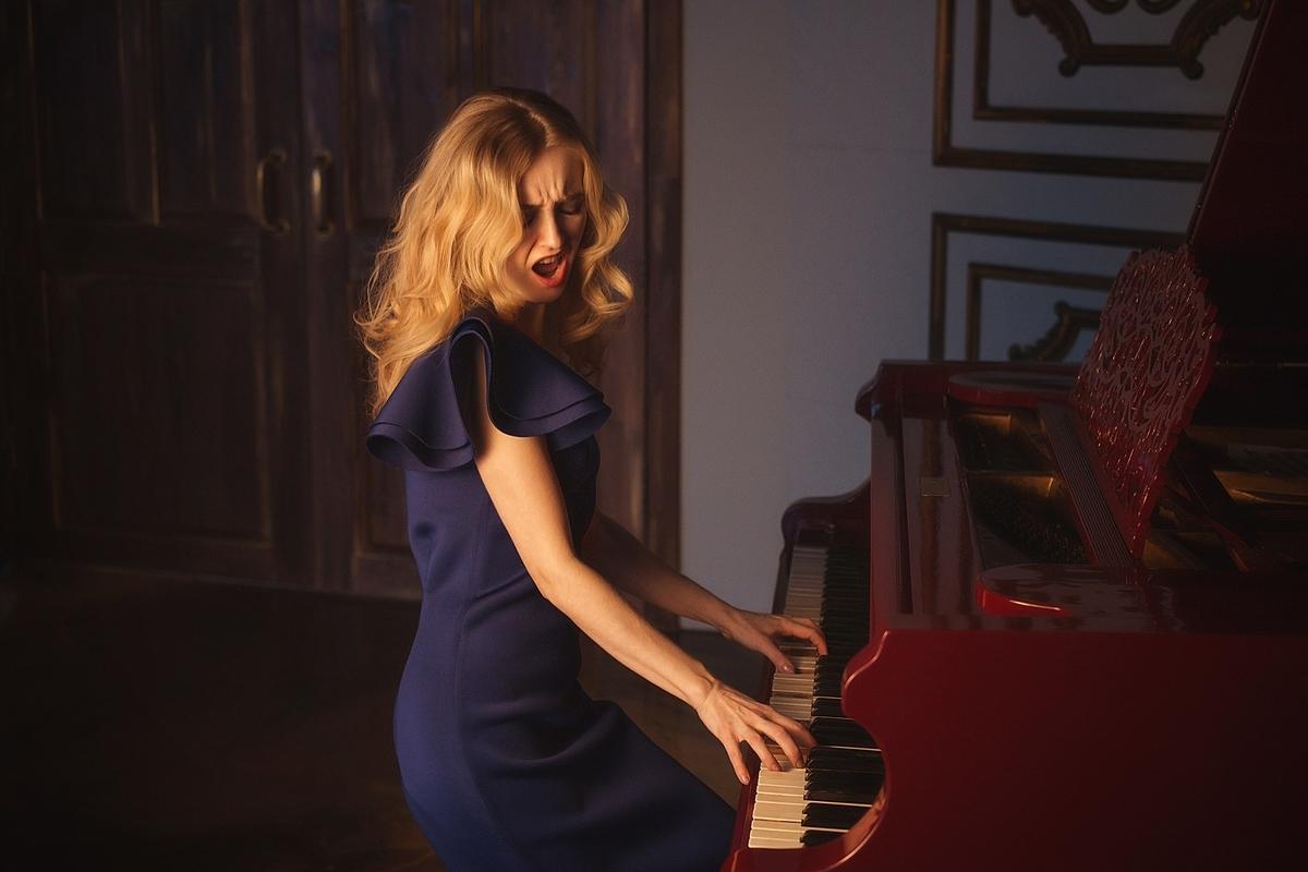 私はピアニストです