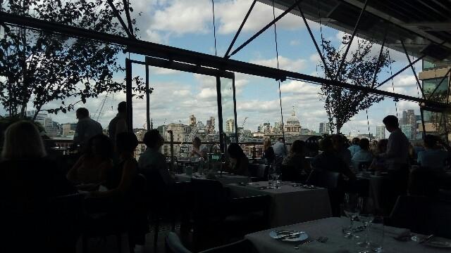ロンドンを一望できる絶景ポイント OXOタワーでVegan Afternoon Tea:image