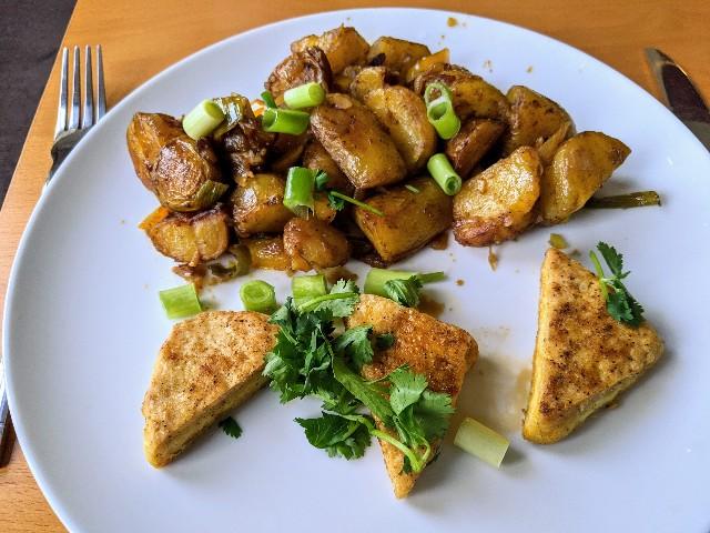 ソルト&ペッパー豆腐とチップス:image