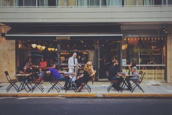 7月4日からレストランやパブが再開/ Restaurants and Pubs reopen 【イギリス生活英語日記】:plain